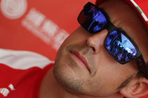 Fernando Alonso con Oakley Two Face 300x200 - GRACIAS FERNANDO ALONSO