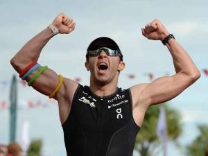 Scott+Neyedli+Ironman+Wales+pzmXk0xCy wl 300x225 - 12 CLAVES PARA SACARLE PARTIDO A TUS ENTRENAMIENTOS DE CICLISMO O TRIATLÓN SI ERES UN GRUPO DE EDAD
