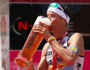 gallery image 755 14 raelert beer getty 300x232 - 9 TRUCOS PARA RECUPERAR MÁS RÁPIDO TRAS UNA COMPETICIÓN O ENTRENAMIENTO EXIGENTE