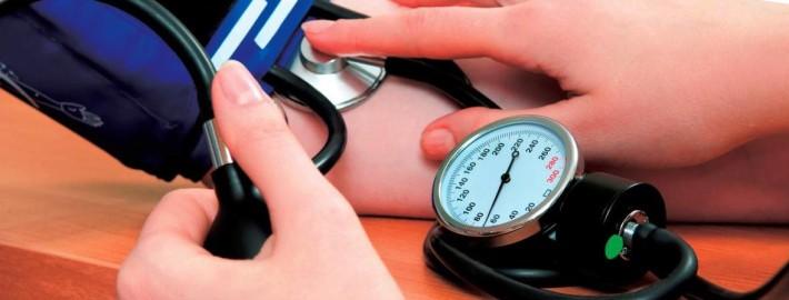 hipertension 710x270 - LA HIPERTENSIÓN Y SU MEJORA CON EL ENTRENAMIENTO DE CICLISMO O TRIATLÓN