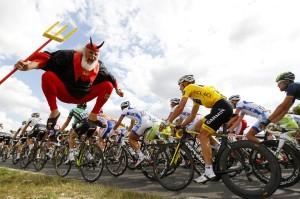 Tour de France Devil Didi Diablo 01 300x199 - Tour-de-France-Devil-Didi-Diablo-01