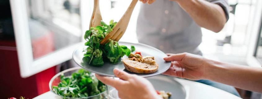 7 alimentos que debes dejar de comer para adelgazar en dos dias 845x321 - QUÉ COMER TRAS LOS EXCESOS DE LAS COMIDAS PRENAVIDEÑAS O NAVIDEÑAS
