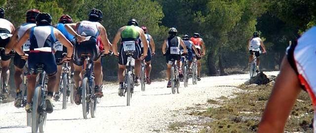 triatlon santa pola 03 640 300 640x270 - GRANDES RESULTADOS PARA NUESTROS DEPORTISTAS DURANTE EL FIN DE SEMANA